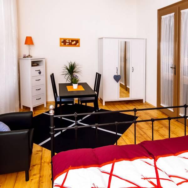 Apartment B - Bedroom
